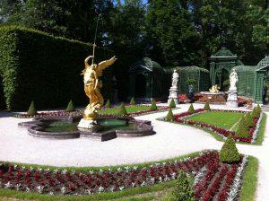 Linderhof Palace garden image