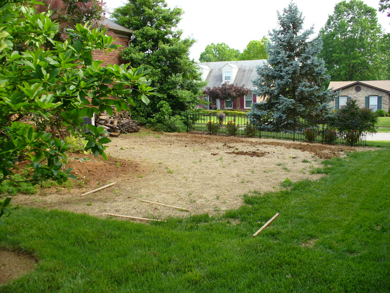 Elysium's Knot Garden (before, with front fence)